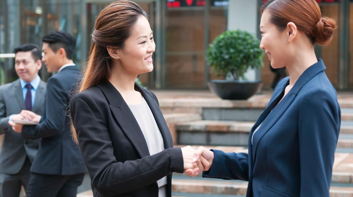 Phong thái trong giao tiếp kinh doanh